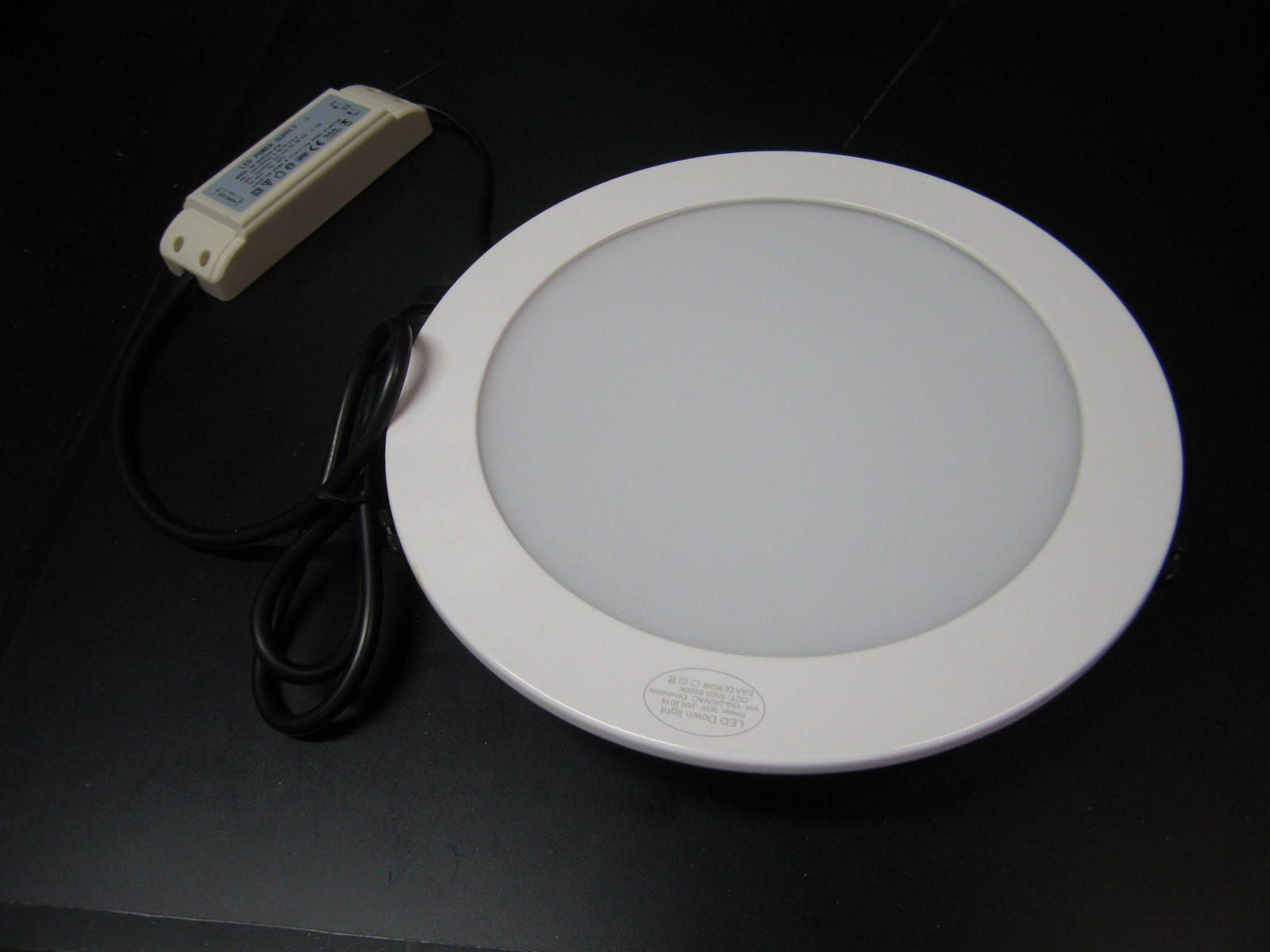 LED CEILING PANEL LIGHT *PRI-KH-200-15W 240VAC