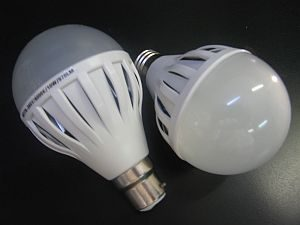 LED BULB * PRI-HO-10W-DIM : DIMMABLE BULB
