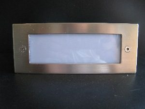 LED WALL LIGHT * PRI-AW4