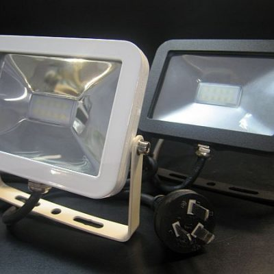 LED FLOOD LIGHT * PRI-PAD-FLOOD-10W