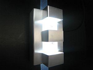 LED WALL LIGHT * PRI-STREAM